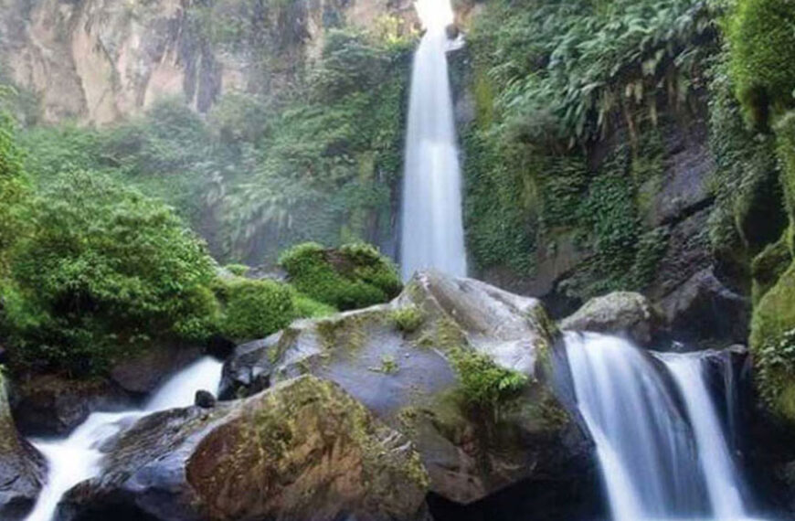 Menikmati Indahnya Air Terjun Coban Talun Kota Batu